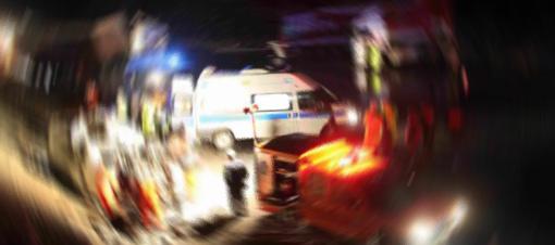 Milas ta motosiklet yayaya çarptı 2 yaralı