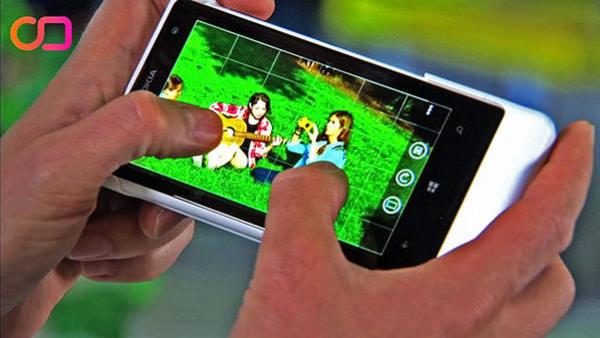 Nokia'dan megapiksel canavarı model: Lumia 1020