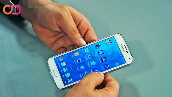 Samsung Galaxy S5 kalbimizi dinledi