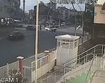 Ya�l� adam beton mikserinin alt�nda can verdi