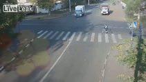 Bisiklete bir şey olmadı kamyon devrildi