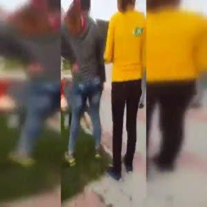 Kızlar kavga etti erkekler izledi