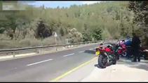 Otomobil motosikleti biçti