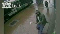 New York'ta baltalı saldırgan böyle görüntülendi