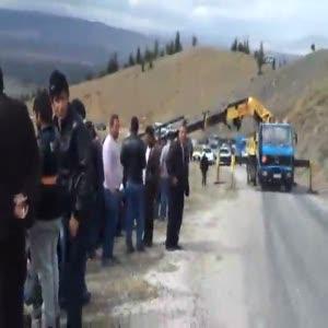 Afyon'da öğrenci midibüsü kaza yaptı ölüler var