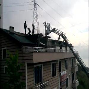 İzolasyon yaparken çatıyı yaktılar