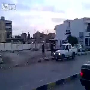 Libya sokaklarında sniper dehşeti