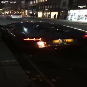 Lamborghini böyle alev aldı!