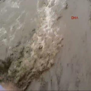 Samsun'da dereler taştı evleri su bastı