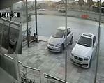 Defalarca takla atan araçtan sağ çıktı