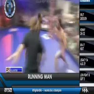 Usain Bolt yumruğu bayılttı!