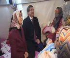 Davutoğlu çadırkentteki Suriyelileri ziyaret etti