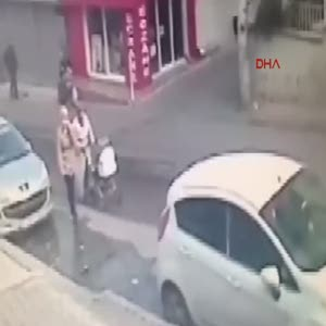 Ehliyetsiz sürücü anne ve bebeğini böyle ezdi
