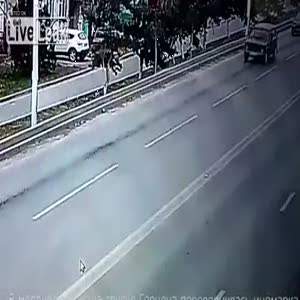 Trafik kazası böyle görüntülendi