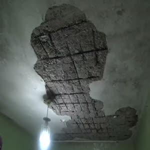 Namaz kılarken tavan üstüne çöktü