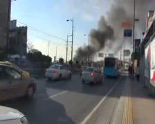 Topkapı alt geçidinde işyerleri yanıyor