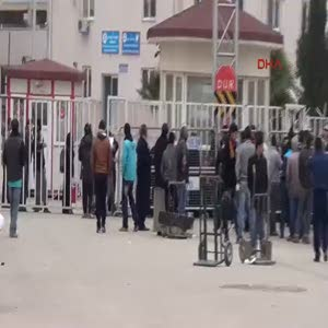 300 Suriyeli Urfa'dan vatanlarına döndüler