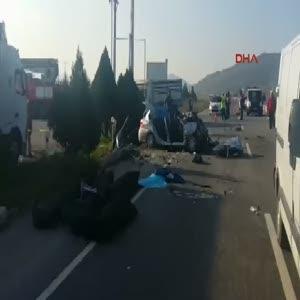 İzmir'de feci kaza 6 ölü