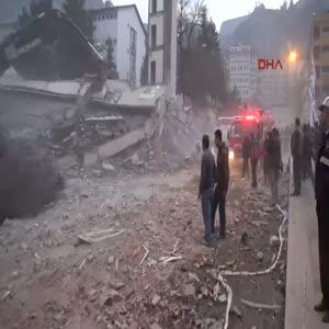 İşhanının yıkımı sırasında bina çöktü