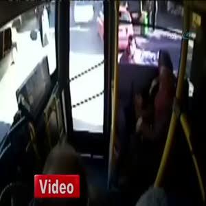 Şoför-yolcu kavgası kamerada