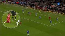 Chelsea Liverpool maçında ilginç bir pozisyon