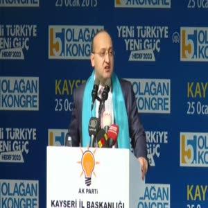 Yalçın Akdoğan salonu coşturdu