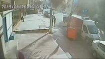 Yolda adamı bıçaklayıp yoluna gitti o anlar kamerada