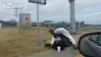 Hırsızlık yapan evsiz adam böyle dayak yedi