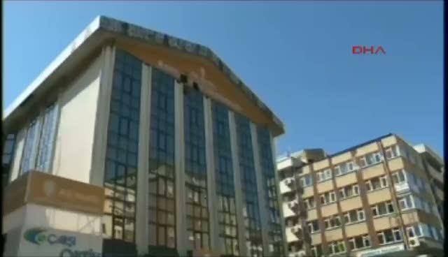AK Parti binasına silahlı baskın