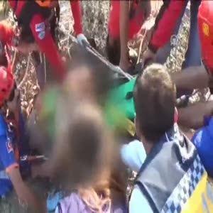 Uçuruma düşen turist kurtarıldı