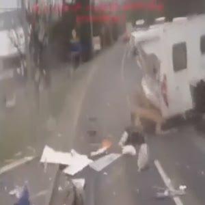 Karavanı yola saçtı