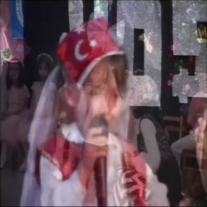 Minik Semira İstiklal Marşı'nı ağlayarak okudu