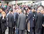 Öldürülen doktorun tabutunu meslektaşları taşıdı