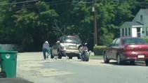 Saldırgan motosikletli sopayı yedikçe sakinleşti