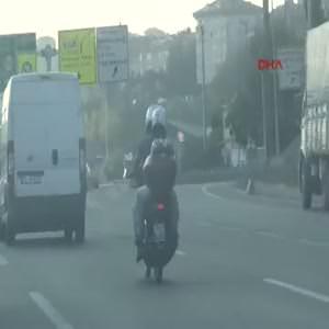 3 kişilik ailenin tehlikeli motosiklet yolculuğu