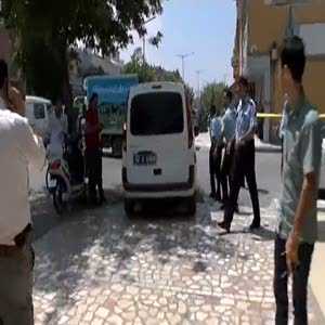 Güvenlik görevlisi banka soyguncusunu yakaladı