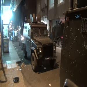 Kahvehaneyi tarayıp bombaladılar