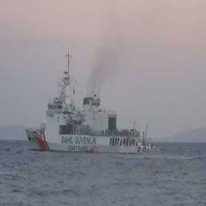 Sahil Güvenlik, 320 kaçak göçmeni kurtardı