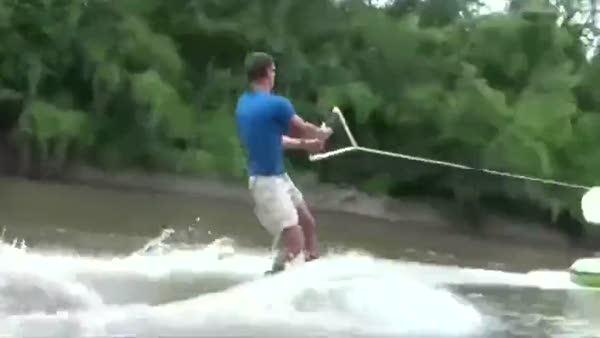 Kayakl� bal�k av� b�yle g�r�nt�lendi