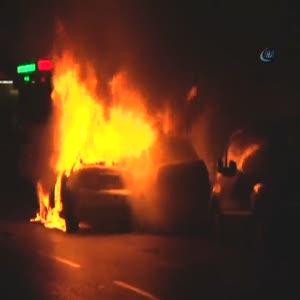 3 aracı yaktı yarıçıplak polisten kaçtı