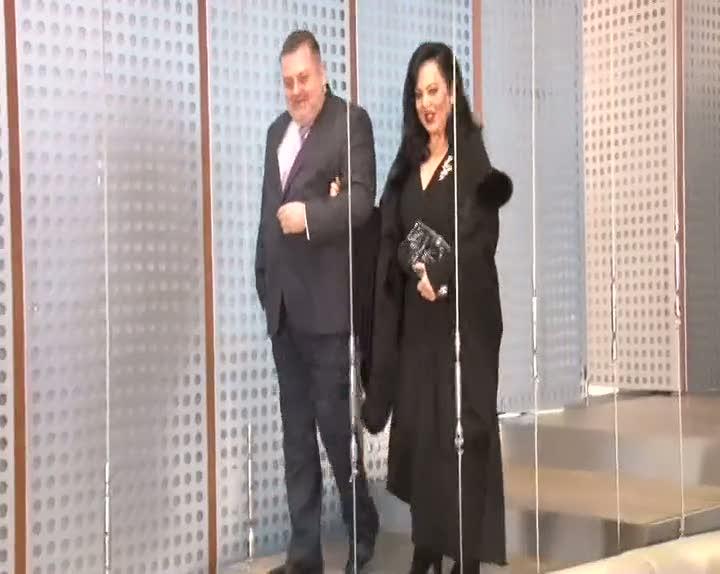 Türkan Şoray, sevenlerinin karşısına filmle değil kliple çıktı