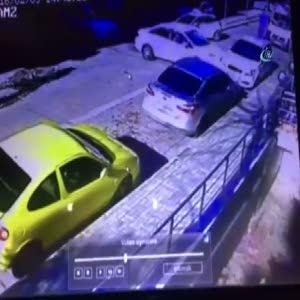 Kaçarken kaza yapıp polisi ezdiler