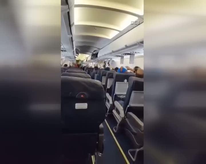 Uçakta patlayan bombanın dehşet anları kamerada