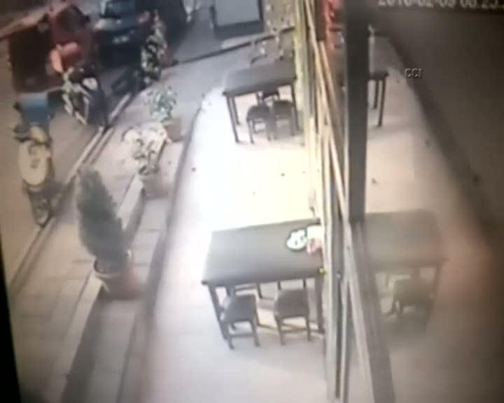 İstanbul'daki silahlı saldırı kamerada