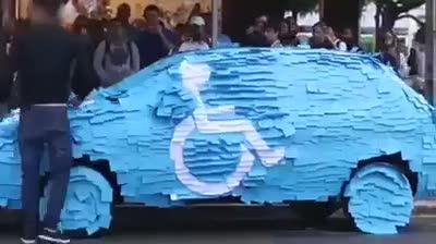 Engelli alanına park eden sürücüye unutulmaz ceza!