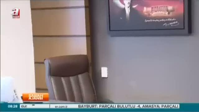 2 CHP'li daha Atatürk'ün posterini indirmiş!