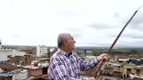Operasyon bitince güvercinlerine kavuştu