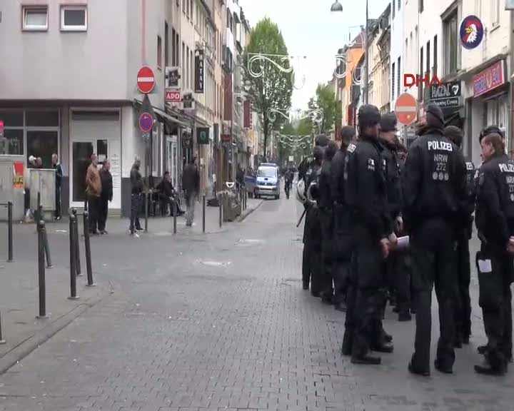 Köln'de PKK gösterisi