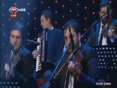 Bestekar Gültekin Çeki'nin bestelediği Eski dostlar şarkısı