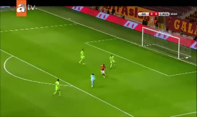 Galatasaray bu pozisyondan yararlanamadı